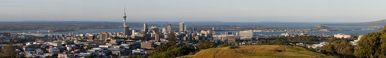 1280px-AucklandPano_MC