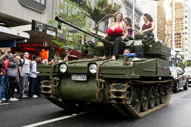Титьки на танках