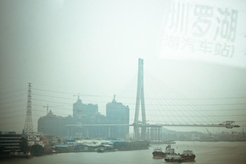 Вид из окна автобуса по пути в Шеньчжень