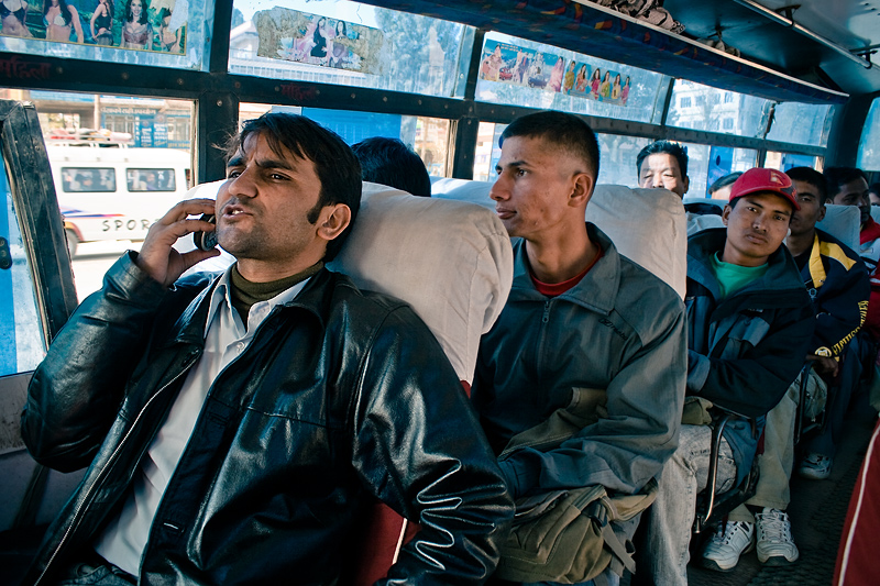 Люди в микроавтобусе