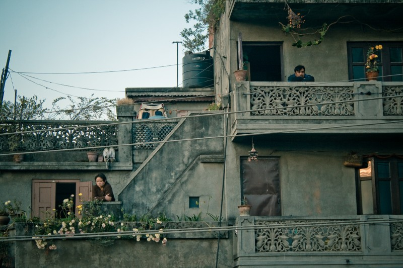 Двое на балконах