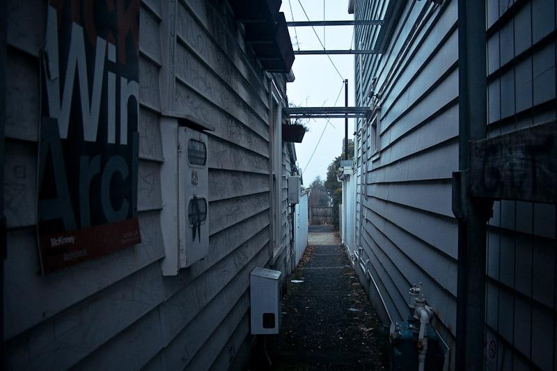 Пространство меж домов на Понсонби