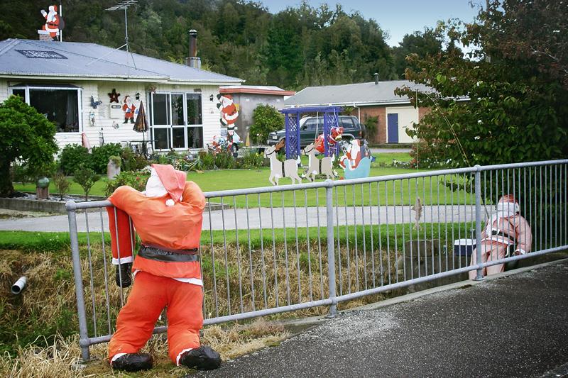 Пьяные Деды Морозы везде